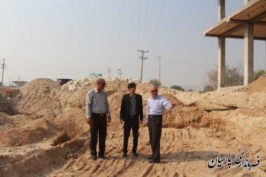 بازدید میدانی مهندس جاسمی معاون فرماندار پارسیان از پروژه میدان یردخلف