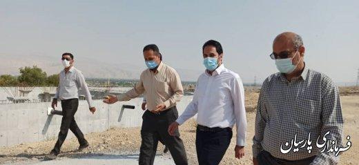 بازدید فرماندار شهرستان پارسیان از مخزن  ۲۰۰۰متر مکعبی آب شهر دشتی